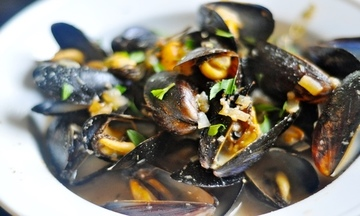 Menu image, Mussels and clams Amalfi style